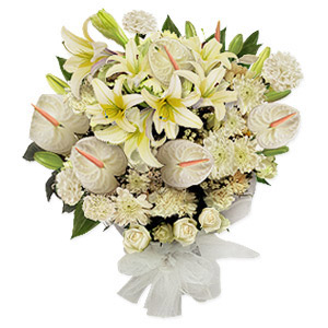 Like a blanket of fresh fallen snow this glorious white bouquet will dazzle you with its pristine beauty. These outstanding flowers stand with a crisp clean demeanor that is both eye catching and elegant.